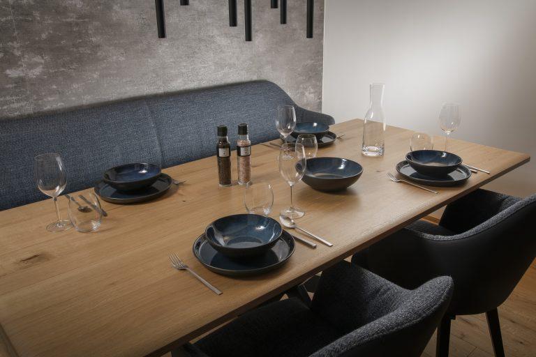 luxury-apartments-r6-tegernsee-apartment-6-esstisch-1