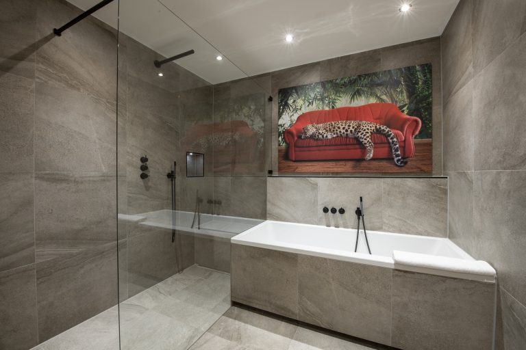 luxury-apartments-r6-tegernsee-apartment-7-badezimmer