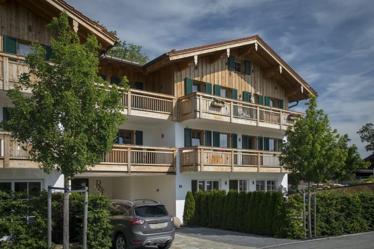 luxury-apartments-r6-tegernsee-eingang